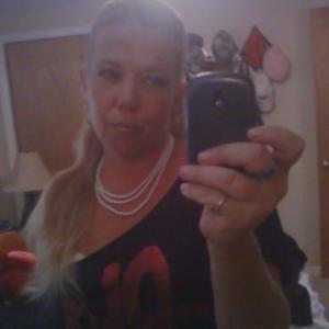cassandra, 42, woman