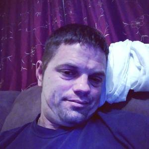 James, 38, man