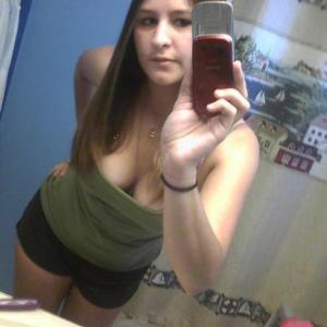 Nicole , 26, woman
